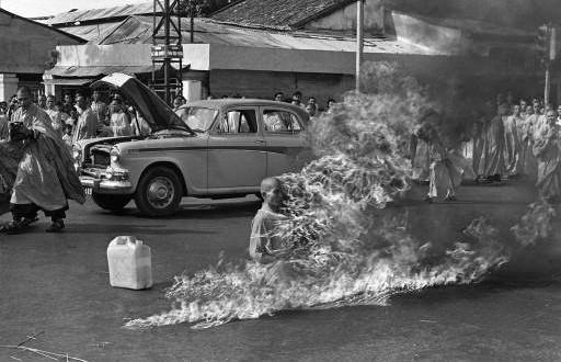 Thích_Quảng_Đức_self-immolation-512x330