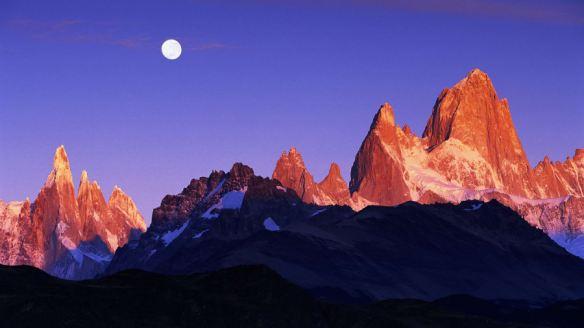 http_cdn.cnn.comcnnnextdamassets170407220919-06-iconic-mountains-mount-fitz-roy-restricted
